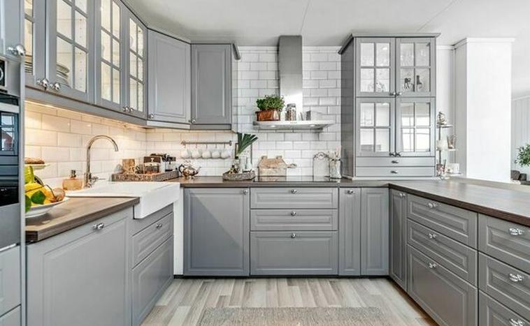 Кухня с рамочными фасадами заказать в Северске